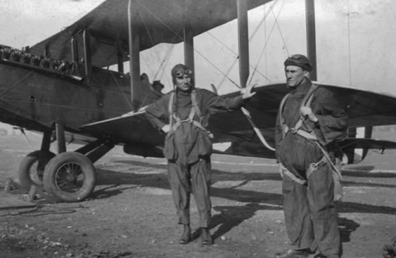 Forest Patrol Pilot Nick Mamer (L), and unidentified partner.(Spokane Valley Heritage Museum)